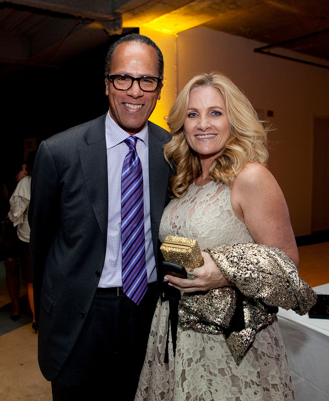 Carol Hagen and Lester Holt http://insidecablenews.wordpress.com/2010/11/01/photos-from-msnbcs-lean-forward-party/